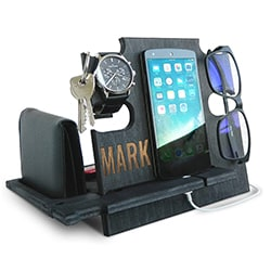 Best Gadgets For Men Cell Phone Stand