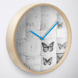 Amazing Butterfly Presents Clock
